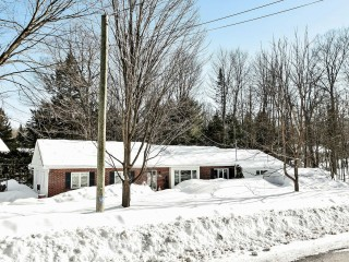 535 Rue Stirling Photo 1
